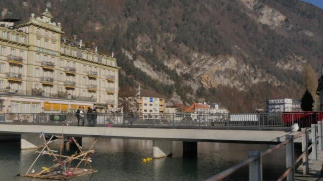 river aare, interlaken, jungfrau region, bernese oberland, swiss alps, switzerland, europe - bernese alps stock videos & royalty-free footage