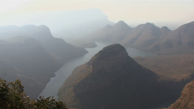 ws ha river and mountains in fog in blyde river canyon / mpumalanga province, south africa - mpumalanga province stock videos and b-roll footage