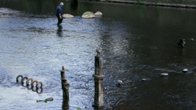 river artist dan; river don, sheffield - sheffield stock videos & royalty-free footage