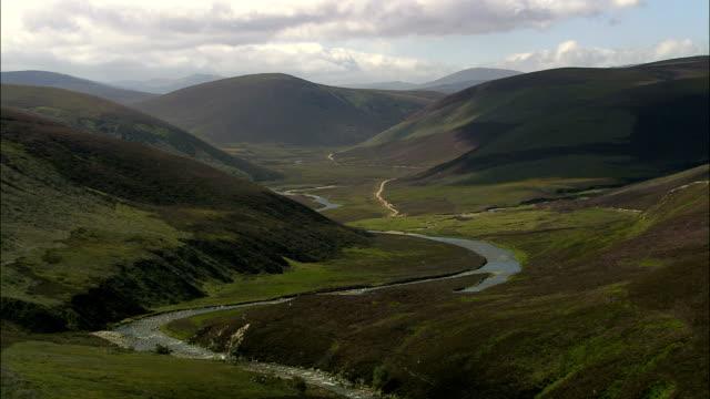 Floden Avon (norr om Braemar) - Flygfoto - Skottland, Moray, Storbritannien