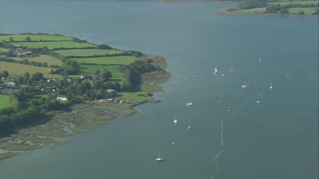 river cleddau near llangwm - ペンブローク点の映像素材/bロール