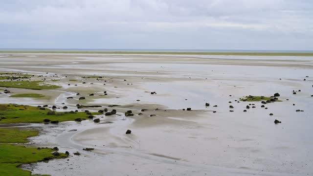 river delta at low tide, bardastrandarvegur, westfjords, iceland - low tide stock videos & royalty-free footage