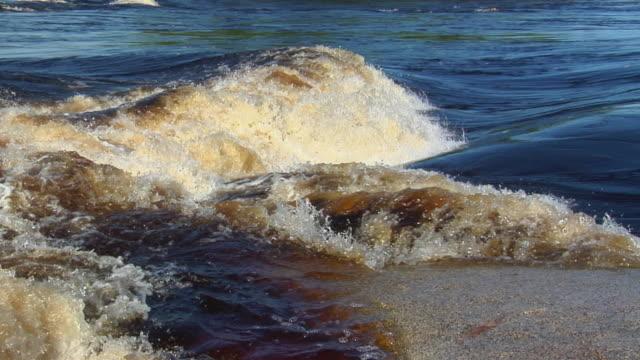 stockvideo's en b-roll-footage met slo mo cu tu ms river negro rapids / sao gabriel da cachoeira, amazonas, brazil - color negro