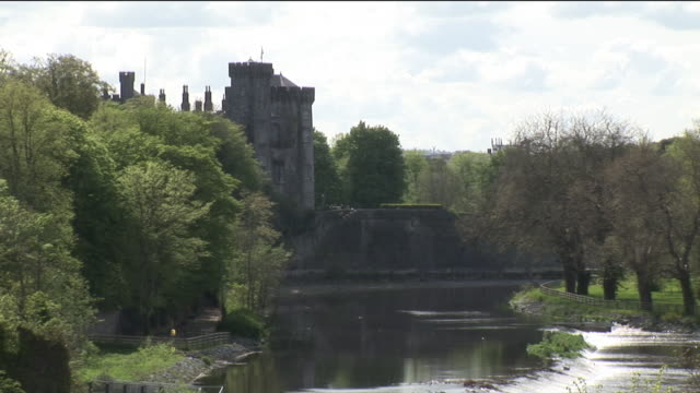 ms, river nore and castle, kilkenny, ireland - 17th century style stock videos & royalty-free footage