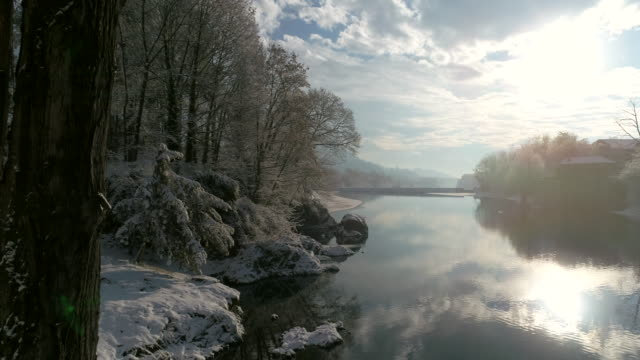 fluss sesia im winter, drohne ansicht - fluss stock-videos und b-roll-filmmaterial