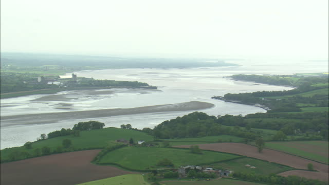 river severn estuary - estuary stock videos & royalty-free footage