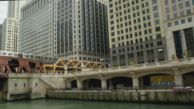 river shot of chicago north wacker drive - north stock videos & royalty-free footage