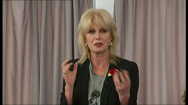 river thames garden bridge project scrapped r01111310 / 1112013 london ext various of joanna lumley and thomas heatherwick looking out over the river... - joanna lumley stock videos & royalty-free footage