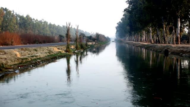 vídeos y material grabado en eventos de stock de al río - sin editar