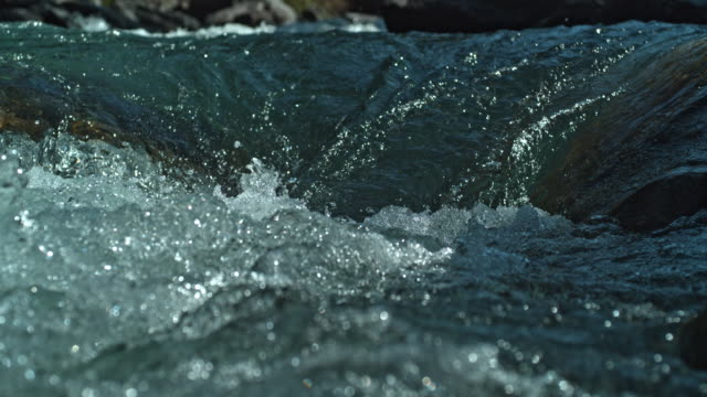 river white water slow motion close up - 川点の映像素材/bロール