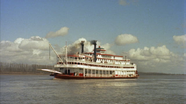 ws riverboat on wide river  - steam liner stock videos & royalty-free footage