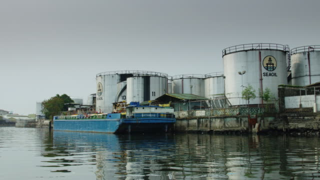 Riverside Industrial Complex in Manila