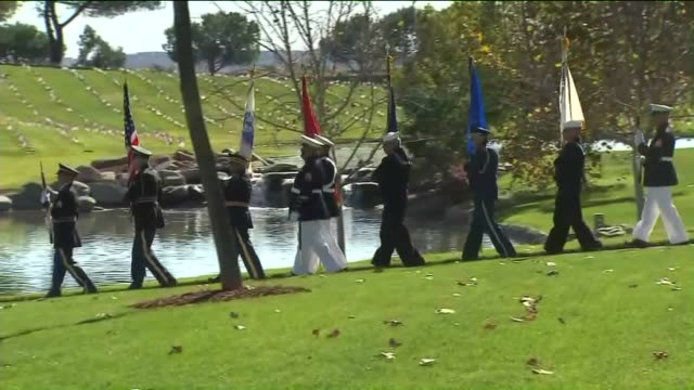 ktla riverside national cemetery flags for veteran's day on november 11 2015 - flussufer stock-videos und b-roll-filmmaterial