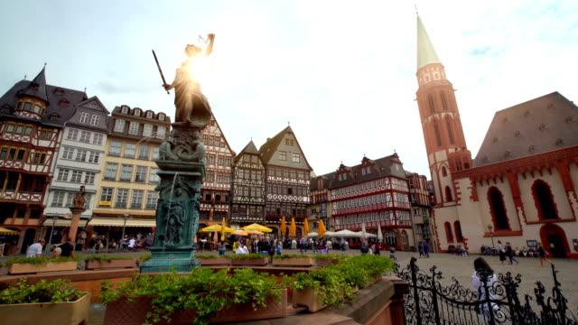 römerplatz in frankfurt, time lapse - römerberg stock videos and b-roll footage