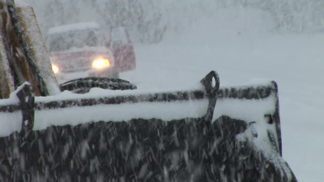 HD: Road Assistance In The Snowstorm