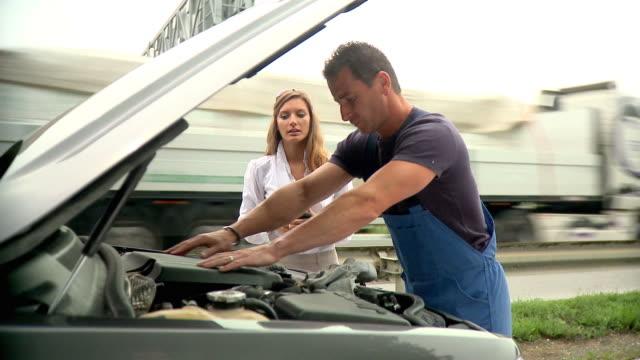 hd: road assistance - roadside stock videos & royalty-free footage