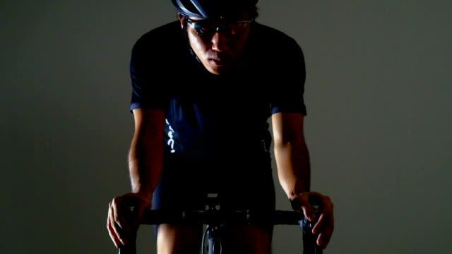 vidéos et rushes de vélo d'entraînement - selle