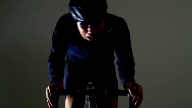 vidéos et rushes de vélo de route sport -winter & parquet - selle