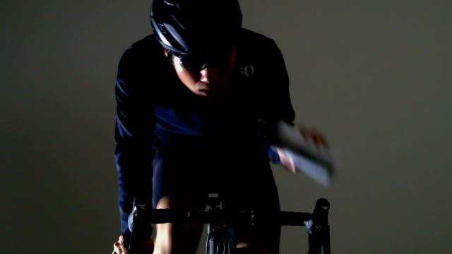 vidéos et rushes de vélo de route sport -winter & supply & race- - selle