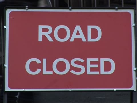 Road Closed sign 1
