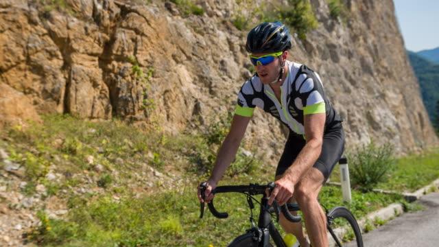 vídeos y material grabado en eventos de stock de ciclismo en ruta - triatlón
