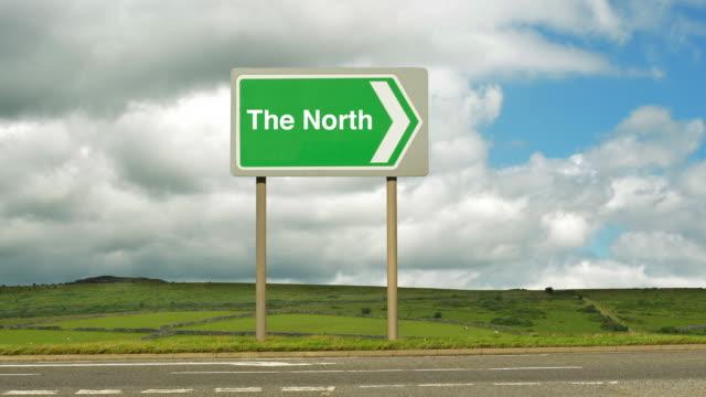 road to the north. - gruppo medio di animali video stock e b–roll