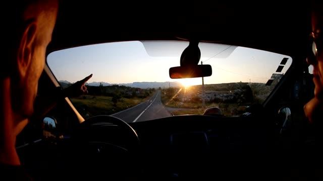 vidéos et rushes de vue de road trip - dedans