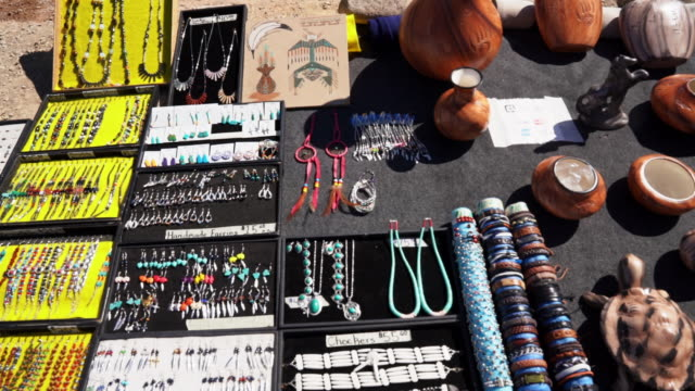 roadside retail kiosk or roadside stand operated by native american navajo people selling jewelry and pottery that is handmade by navajo craftsmen - puebloan peoples stock videos & royalty-free footage