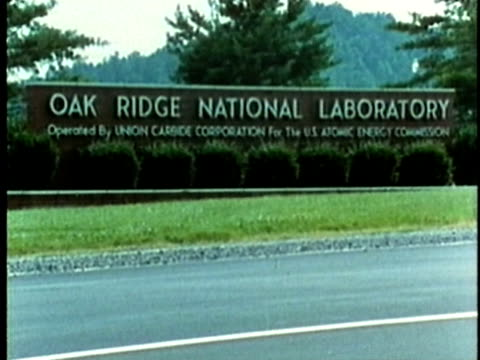 1969 ws roadside sign for 'oak ridge national laboratory'/ oak ridge, tennessee, usa/ audio - oak stock videos and b-roll footage