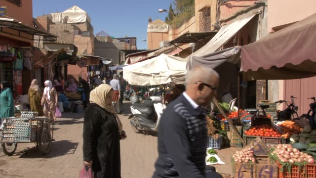 roaming shot through medina near bahia palace, marrakesh, morocco, north africa, africa - north africa stock videos & royalty-free footage