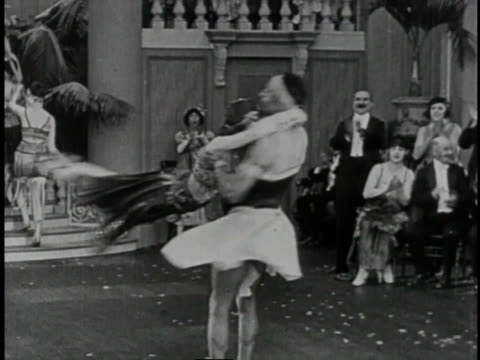 stockvideo's en b-roll-footage met 1920 montage roaring twenties party - 1920