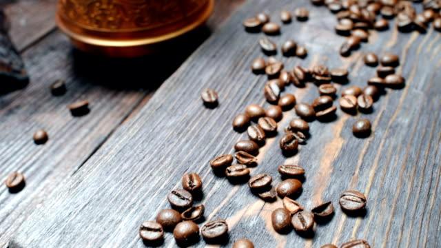 焙煎コーヒー豆  - 荒い麻布点の映像素材/bロール