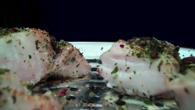 魚のロースト - タラ点の映像素材/bロール