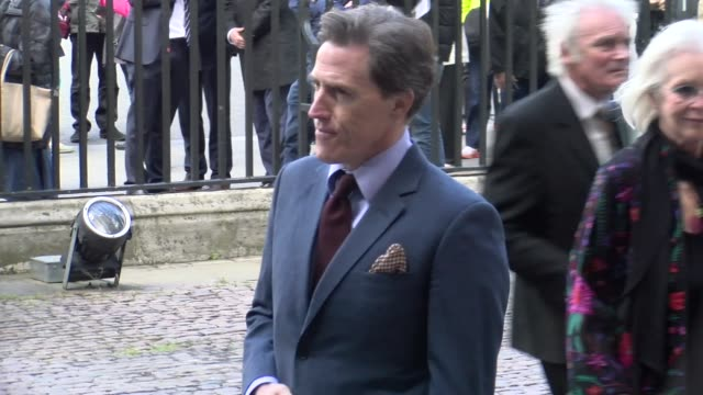 vidéos et rushes de rob brydon at westminster abbey on june 07 2017 in london england - ronnie corbett