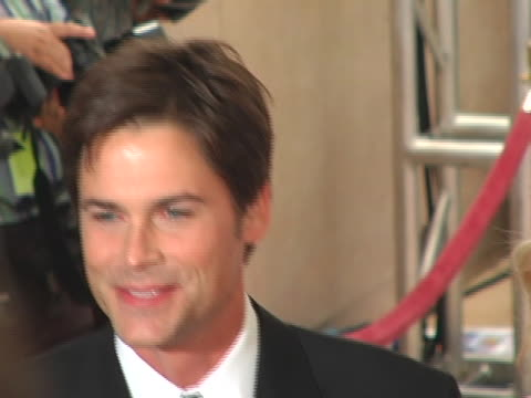 rob lowe and wife sheryl berkoff at the 16th annual carousel of hope gala presented by mercedes-benz arrivals at beverly hilton hotel in beverly... - beverly hilton hotel bildbanksvideor och videomaterial från bakom kulisserna