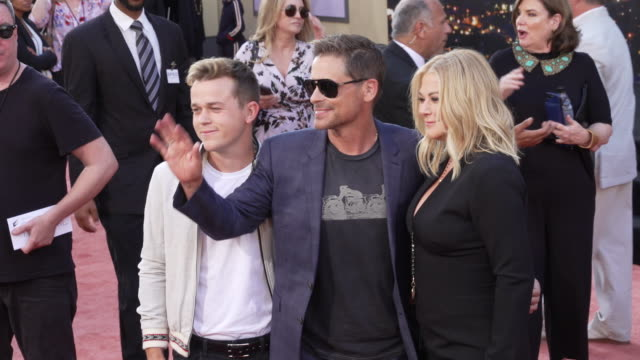 rob lowe at the once upon a time in hollywood premiere at tcl chinese theatre on july 22 2019 in hollywood california - rob lowe stock videos & royalty-free footage