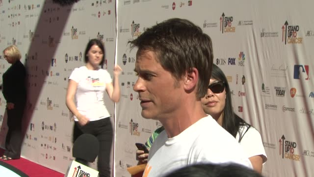 rob lowe at the stand up to cancer at los angeles ca - rob lowe stock videos & royalty-free footage