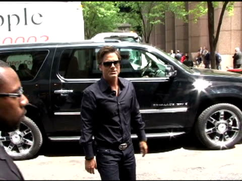 rob lowe is all smiles as he enters an office building in new york 05/05/11 - rob lowe stock videos & royalty-free footage