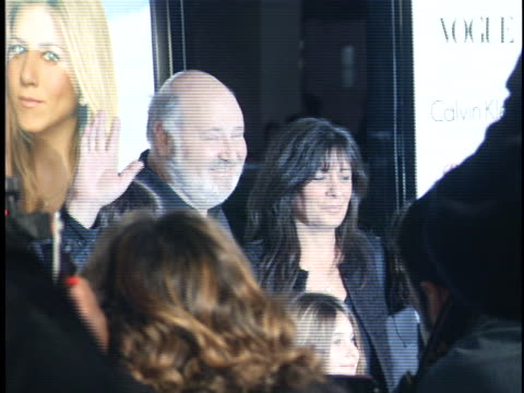 rob reiner at the rumor has it premiere at manns chinese theater hollywood in hollywood ca - teatro cinese tcl video stock e b–roll