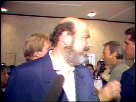 rob reiner at the 'unforgiven' premiere on january 1, 1992. - 1992年点の映像素材/bロール