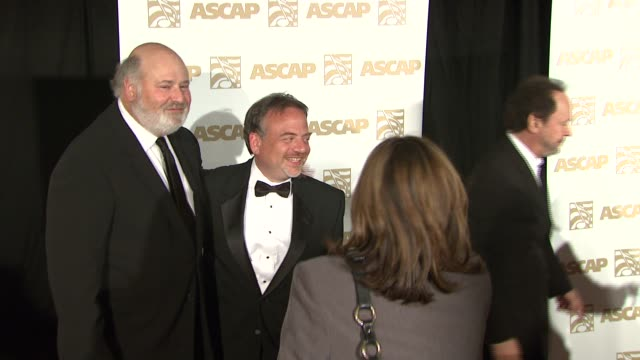 vídeos de stock, filmes e b-roll de rob reiner marc shaiman and billy crystal at the ascap film and tv music awards at the kodak theatre in hollywood california on april 17 2007 - billy crystal