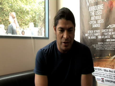 rob trujillo, metallica on how he views touring at the sonisphere day two at stevenage england. - メタリカ点の映像素材/bロール