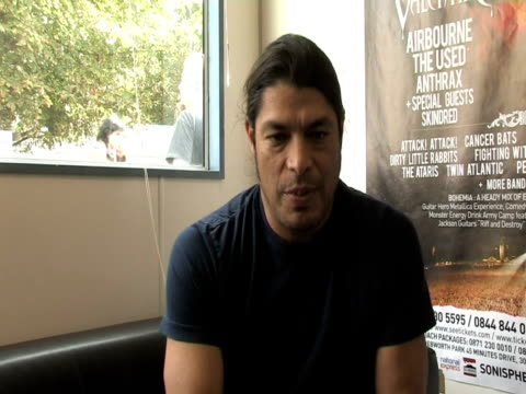 rob trujillo, metallica on how much say they had in the line-up at the sonisphere day two at stevenage england. - メタリカ点の映像素材/bロール