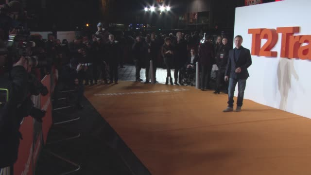 robert carlyle at 't2 trainspotting' - world premiere on january 22, 2017 in edinburgh, scotland. - robert carlyle stock videos & royalty-free footage