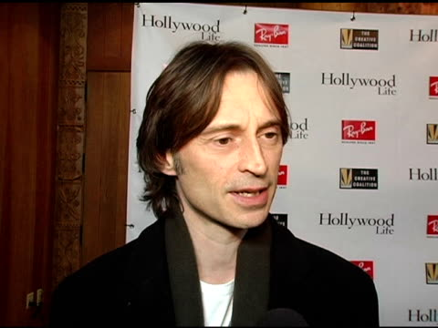 robert carlyle on kevin bacon at the kevin bacon reception of the 2005 ray-ban visionary award hosted by creative coalition and hollywood life at... - robert carlyle stock videos & royalty-free footage