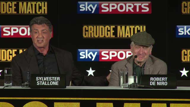 vídeos de stock, filmes e b-roll de robert de niro and sylvester stallone on working together at the grudge match press conference at the dorchester hotel on january 9, 2014 in london,... - sylvester stallone