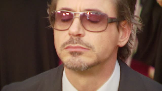 vidéos et rushes de robert downey jr at the 2007 academy awards arrivals at the kodak theatre in hollywood, california on february 25, 2007. - cérémonie