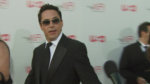 robert downey jr. at the warren beatty to be honored with 36th afi lifetime achievement award at los angeles ca. - warren beatty stock videos & royalty-free footage