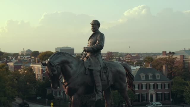 vídeos de stock e filmes b-roll de robert e. lee close-up - estátua