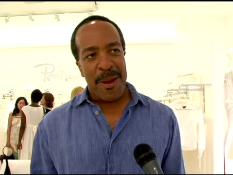 vidéos et rushes de robert gossett on the success of his cable show, on kyra sedgwick's emmy nomination at the summer white party at ron herman in beverly hills,... - nominations aux emmy awards